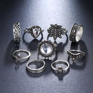 Jewelry - JUST IN🌷 Star Criss Boho Midi Rings Set